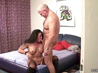 Deutsche Mutter und Vater drehen ein privates Amateur SexTape