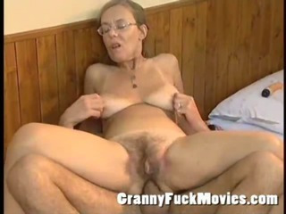 Old granny screwed hard in her queasy pouch