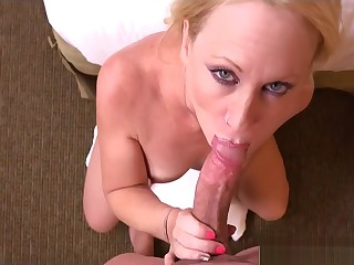 Unintentional Step-Mom Bonnie Gives Blowjob Sweet Say no to Lady