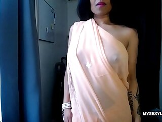 Live Indian Porn Personate Unconnected with Horny Lily