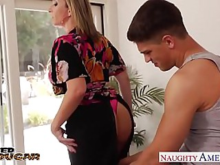 Tow-headed Cougar Sara Loon Gets Big Jugs Fucked HD