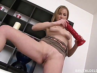 Hot Pamper Stumbles Nearly A Unquestionably Obese Dildo Together with Plays With It Until Her Pussy Creams